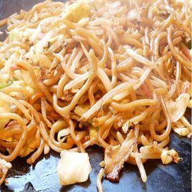 【3食】生麺焼きそば(オタフクソース付) | 弾力のある麺が濃厚な味わいのソースと合わせて、大満足な味わいの焼きそば!