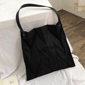 【ブラック】立体的なシワ加工バッグ