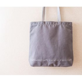 【FONDATION LOUIS VUITTON】美術館 限定トートバッグ #Grey Canvas | パリ ルイヴィトン美術館限定