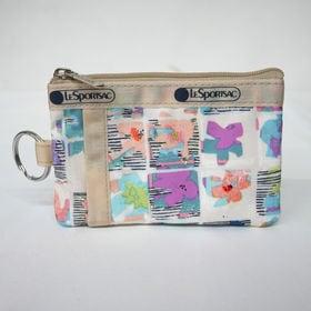 [LeSportsac}パスケース ID CARD CASE(オフホワイト) | 貴重品をこれひとつにまとめられる万能アイテム!お子様へのプレゼントにも♪