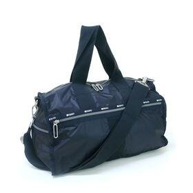 [LeSportsac]ボストンバッグ WEEKENDER ブラック | 小旅行にぴったりの程よいサイズ感♪光沢のある生地で大人っぽくキマります!