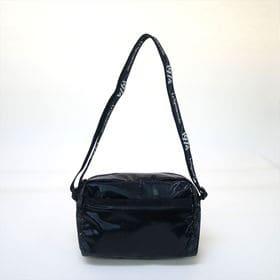 [LeSportsac]ショルダーバッグ DANIELLA CROSSBODY (ブラック) | 持ちやすい程よいサイズ感が◎自分好みの柄を見つけよう!