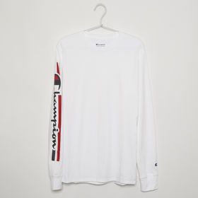 【Sサイズ/ホワイト】[CHAMPION]メンズ CLASSIC GRAPHIC L/S TEE | 袖のブランドロゴがスポーティーな印象に!女性の方がメンズライクに着ても可愛い♪