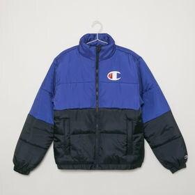 【Sサイズ/ネイビー】[Champion]中綿ジャケット STADIUM PUFFER JACKET | 肉厚でボリュームのあるデザインが、コーディネイトにアクセントを添えます!