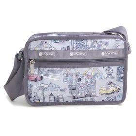 [LeSportsac]ショルダーバッグ CLASSIC CUBE CROSSBODY グレー | 女性が使い易いサイズ感で、デイリーから旅行まで幅広く活躍が期待できそう!