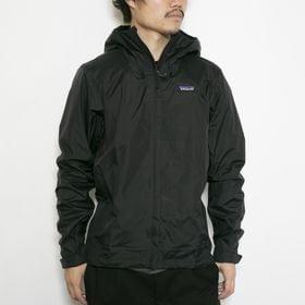 XLサイズ[patagonia]ジャケット M'S TORRENTSHELL 3L JKT ブラック | 機能性も兼ね備えたナイロンジャケット!小さく収納できるパッカブル仕様も◎