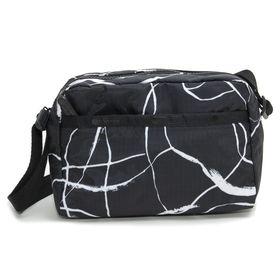 [LeSportsac]ショルダーバッグ DANIELLA CROSSBODY ブラック系 | 持ちやすい程よいサイズ感が◎自分好みの柄を見つけよう!