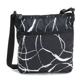 [LeSportsac]ショルダーバッグ ON THE GO CROSSBODY ブラック系 | スッキリとしたスマートなフォルムはデイリーにぴったり♪