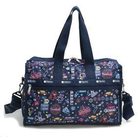 [LeSportsac]ボストンバッグ DELUXE MEDIUM WEEKENDER ネイビー系 | 旅行には欠かせないボストンバッグ!キャリーバーに通せるポケット付きでサブバッグとしても◎