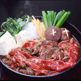 松阪まるよし 松阪牛すき焼き用スライス肉(肩・モモ)〔400...