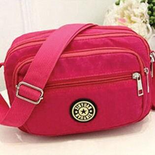 旅行やちょっとしたお出かけに便利な超軽量ショルダーバッグ ピンク