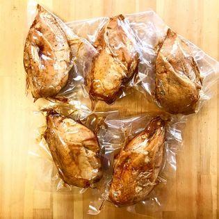 国産鶏むね肉を普通に煮ました 自家製鮎だし使用 自社製造